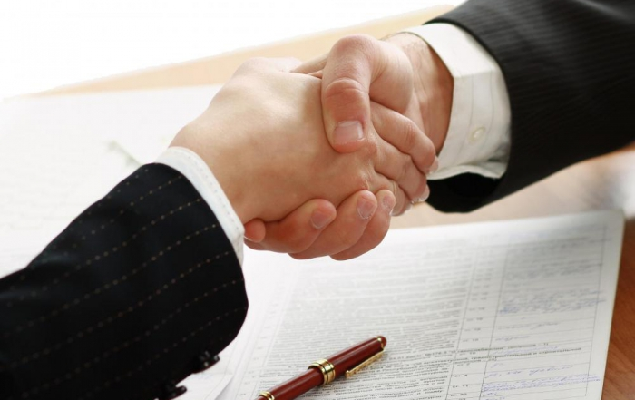 handshake-over-contract1